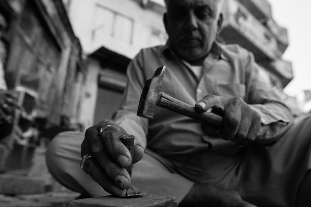 BW_India_Viagem_MEF_20121210_DSC04180_Hands_4096px