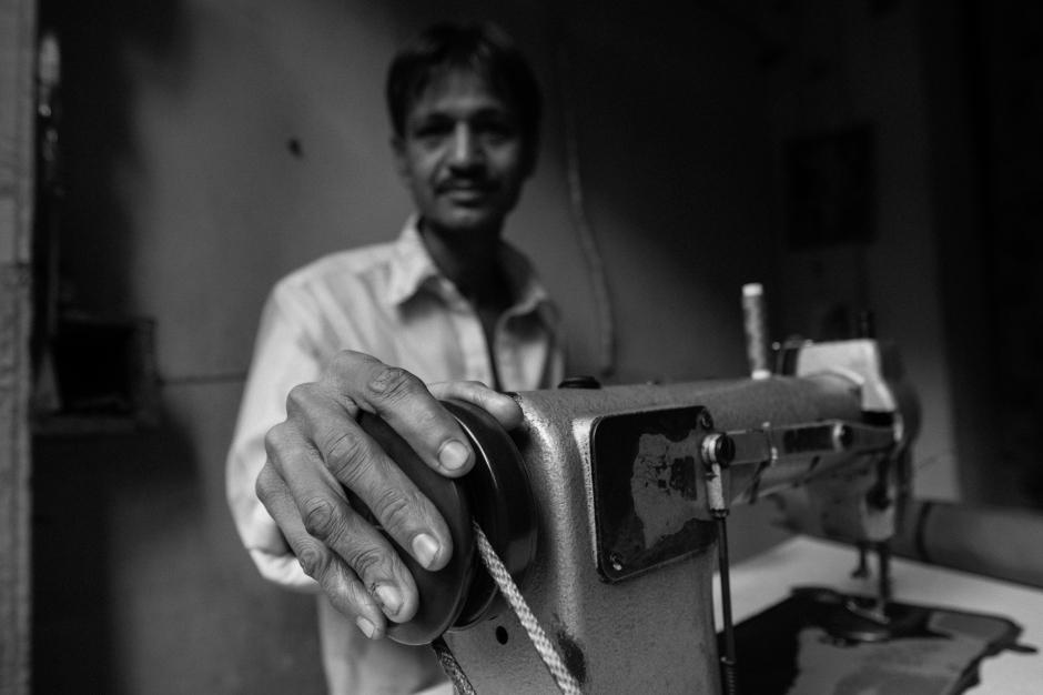 BW_India_Viagem_MEF_20121214_DSC04783_Hands_4096px