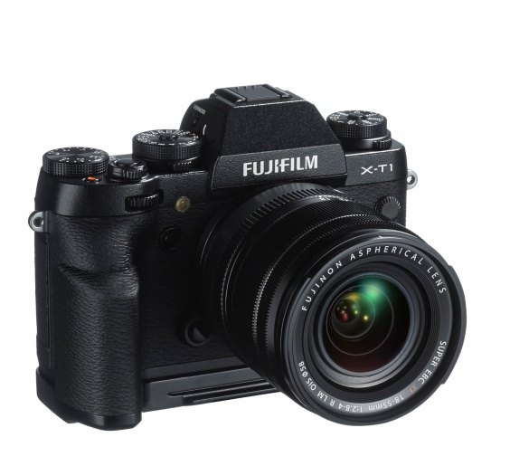Fujifilm_X-T1_Front_with_AssistGrip_and_18-55_OIS